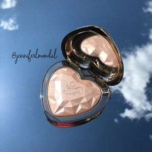 """😍NWT """"Blinded By The Light"""" Too Faced LoveLight😍"""